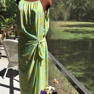 Beautiful Maggy London 100% Silk wrap halter dress